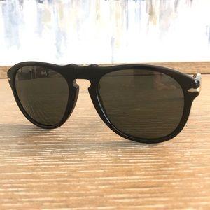 Persol 🕶  649s Black on Black, Polarized Lens!